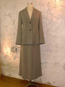 ロングスカートスーツ