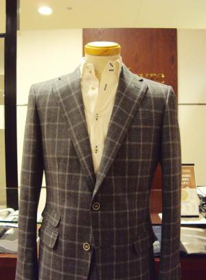 スリム&シャープ「ナロースーツ」に自分デザインを追加!