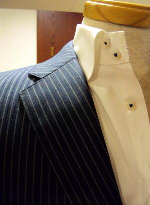 ビルドアップ・ブリティッシュ ブルーストレッチ メンズスーツ