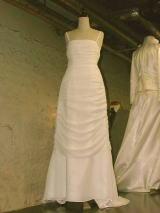 ドレープウエディングドレス