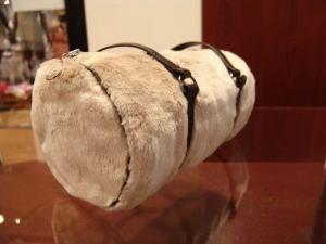 レザージャケットからキュートなドラムバッグ