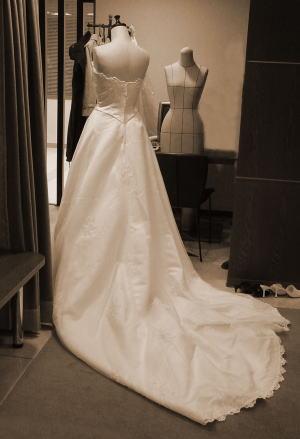 Remake前のホワイトドレス