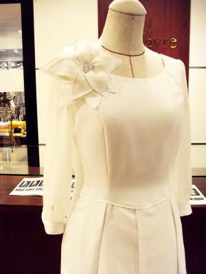 お花のホワイトドレス