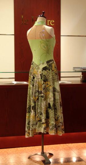 ライムストーンいっぱいダンスドレス