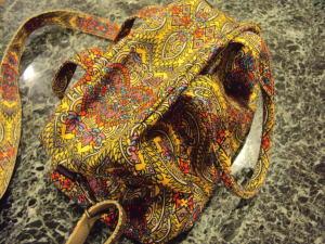 愛するペットちゃんキャリーバッグも自分のお気に入りバッグで創る!