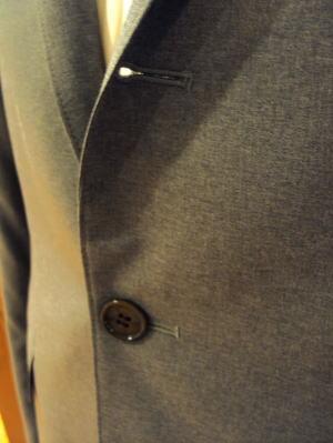 トムブラウン風味のずん胴メンズスーツ