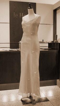 「オーガンジーリボンドレス」