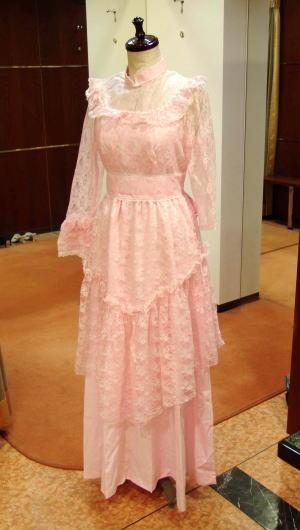 ウエディングドレスでボレロ風ストール&バックリボン!