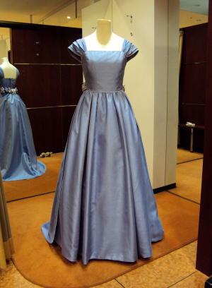 シャンタンカラードレス