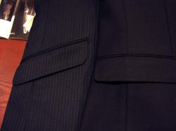 メンズスーツのお洒落なオプションご紹介