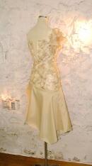 カラードレスを、およばれドレスにリメイクする2