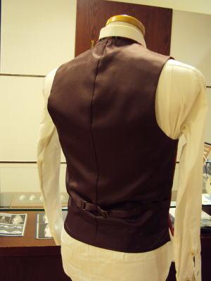 襟付きベストをオーダーメイド(メンズスーツ用)