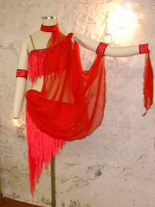 ラテンドレスをゴージャスにリメイクする! 社交ダンス