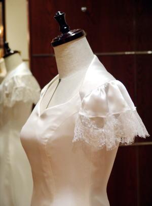 ヨークボレロ ウエディングドレス