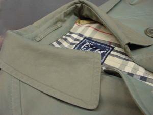 バーバリーやトレンチコート!襟や袖や着丈の「破れダメージ修理」