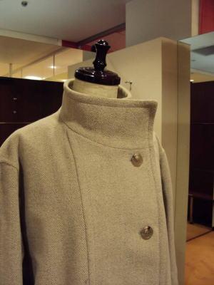 フード付きコートをスタンドカラーに変更する!