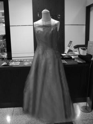 普通ドレスの「着丈カット」で印象を変える!