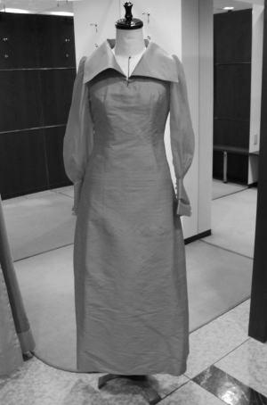肩ひもタック付きベアトップドレスにリメイク