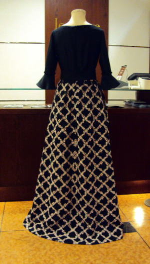 スクエアウエスト切替ドレスを、美ロングトレーンドレスにリメイク!