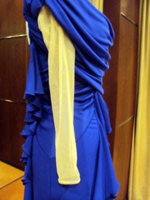 ソフトチュールで新たな袖作成のダンスドレス!